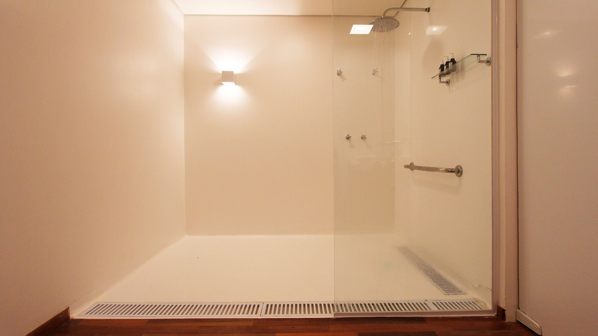19-spa-hotel-botanique-foto-ducha